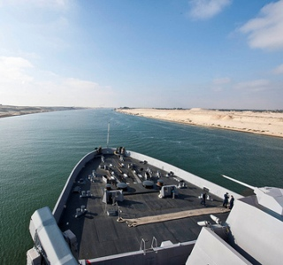 Ships in the Suez Canal face serious piracy threats from Somali pirates